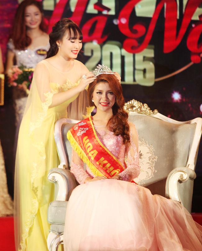 Nữ sinh Công Nghiệp giành ngôi Hoa khôi Sinh viên HN 2015 - 1