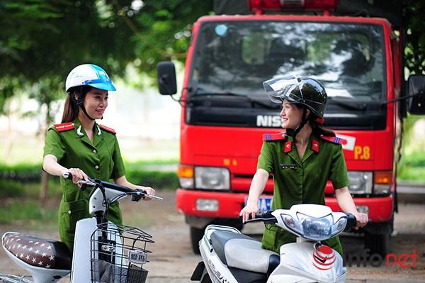 Một ngày làm việc của những nữ cảnh sát PCCC - 1