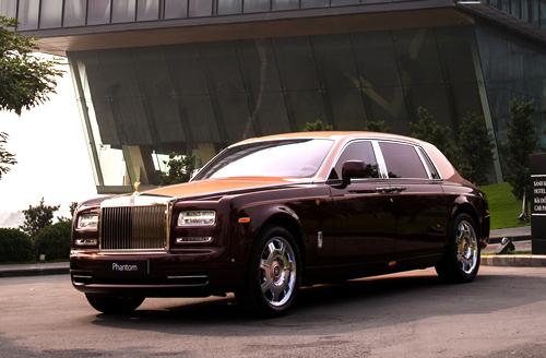 """Rolls-Royce Phantom Lửa thiêng 50 tỷ """"náo loạn"""" đường phố HN - 1"""