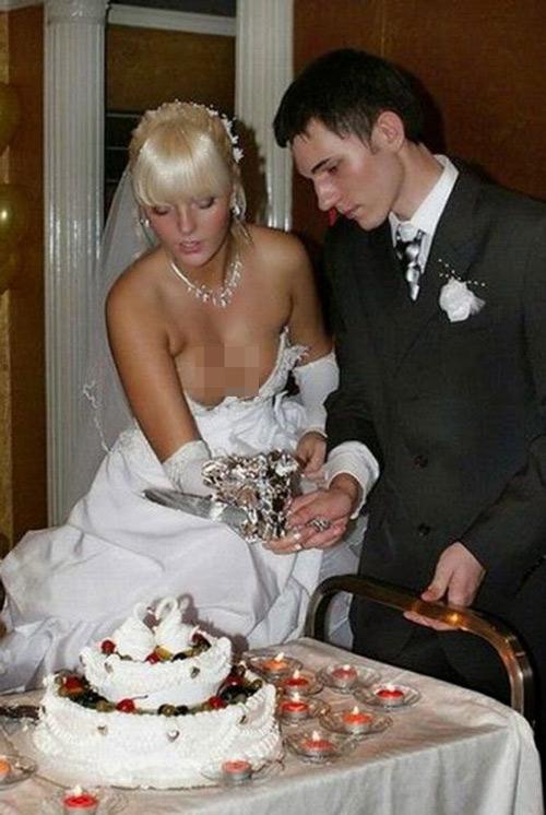 """Cười ra nước mắt với những """"thảm họa váy cưới"""" - 8"""