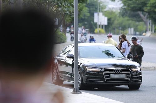 """Đông Nhi phớt lờ scandal bị Thùy Minh công khai """"vỗ mặt"""" - 1"""
