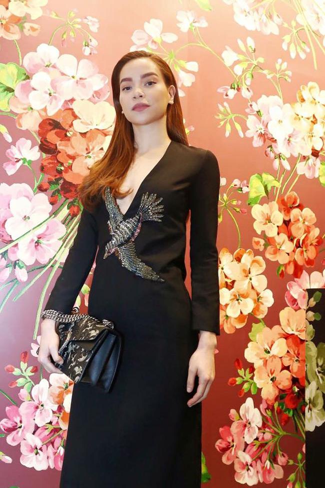 """Mới đây, trong một sự kiện tại TP. HCM, Hà Hồ đã gây chú ý với """"cây"""" đồ hiệu của Gucci, tổng trị giá hơn 200 triệu."""