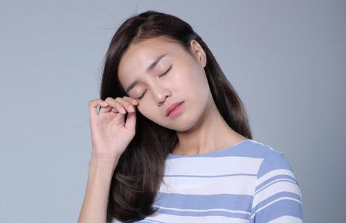 Ảnh hưởng đáng lo ngại của khô mắt - 1