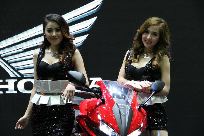 Triển lãm xe quốc tế 2015 tại Thái Lan (Thailand International Motor Expo 2015) vừa khai mạc hôm 2.12.2015 và sẽ kéo dài tới ngày 13.12.2015 với số khách thăm quan ước chừng khoảng 1,3 triệu người.