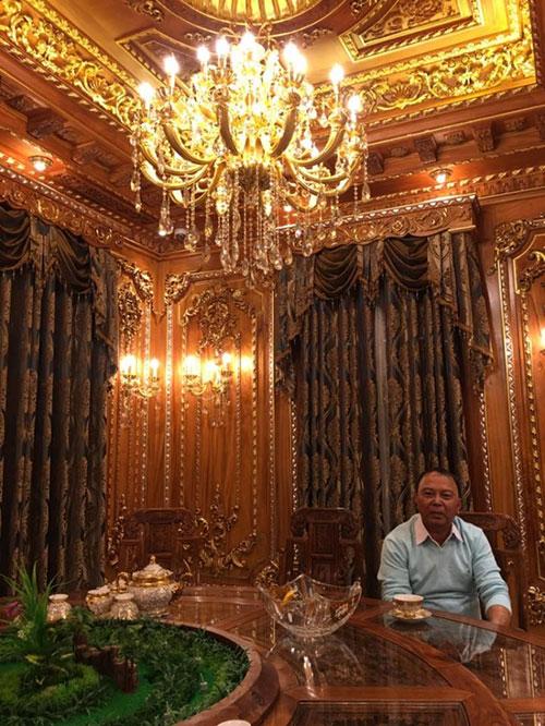 Đám cưới xa hoa của con trai gia đình có căn nhà 300 tỷ - 1