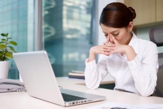 Bài tập đánh tan mỏi mệt sau khi ngồi lâu trong văn phòng - 1