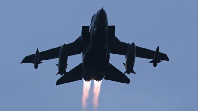 Người Syria phản ứng về việc Anh ném bom diệt IS - 1