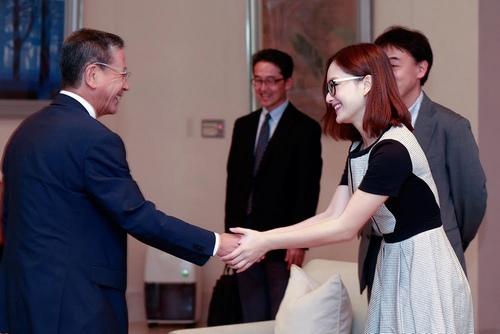 Lan Phương được Đại sứ Nhật Bản khen tặng - 1