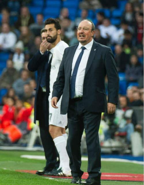 Benitez ca ngợi Benzema, phớt lờ tiếng la ó từ CĐV - 1