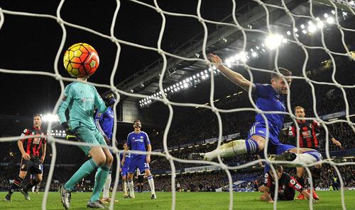 Chelsea lại thua: Đừng mơ top 6, hãy lo trụ hạng - 1