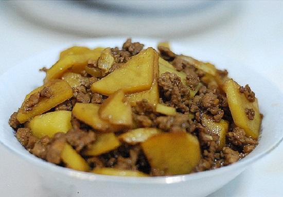 Khoai tây xào thịt băm đậm đà, lạ miệng - 1