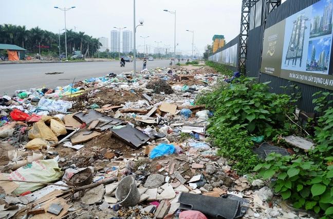 HN: Đường nghìn tỷ chưa hoàn thiện đã thành bãi rác - 1