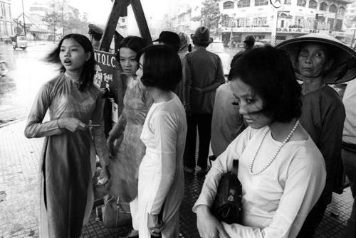 """Sài Gòn xưa và những kiểu mốt """"40 năm vẫn mặc tốt"""" - 7"""