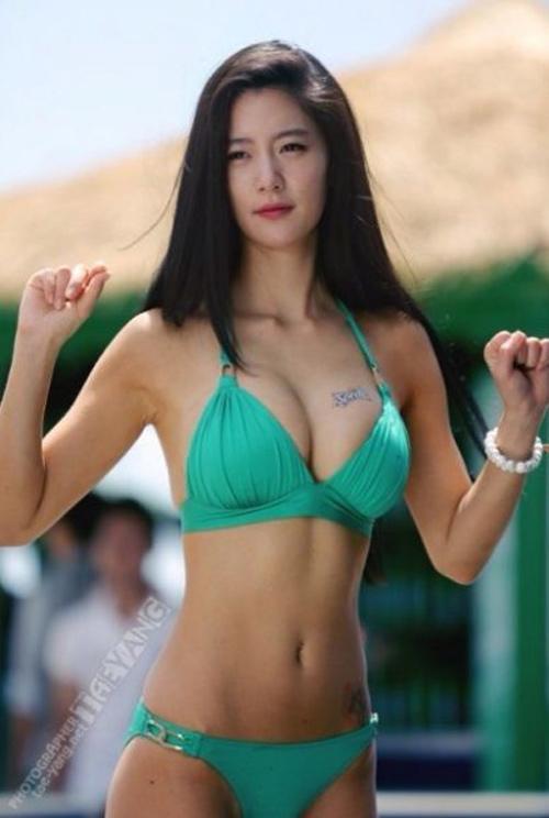 10 mỹ nữ mặc áo tắm gợi cảm nhất Hàn Quốc - 11