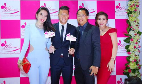 Cặp vợ chồng doanh nhân đứng sau nhan sắc Hoa hậu, nghệ sĩ Việt - 6