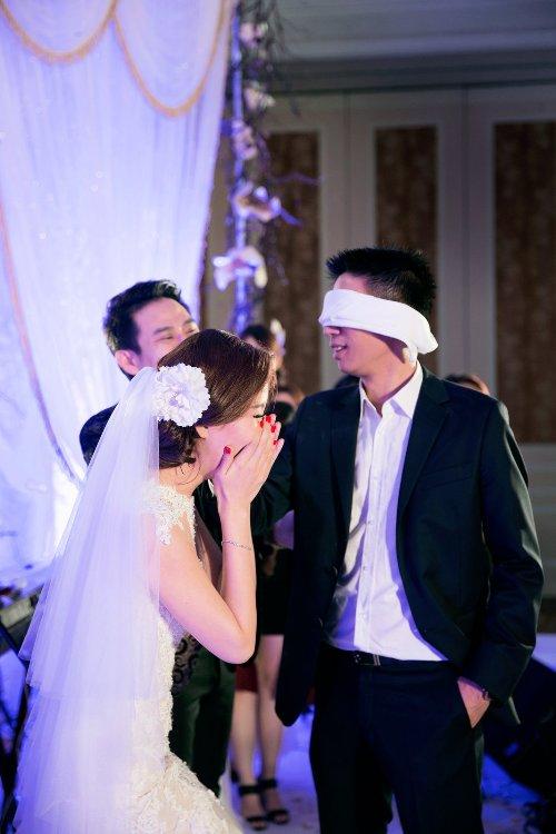 Diễm Trang đẹp lộng lẫy trong tiệc cưới sang trọng - 15