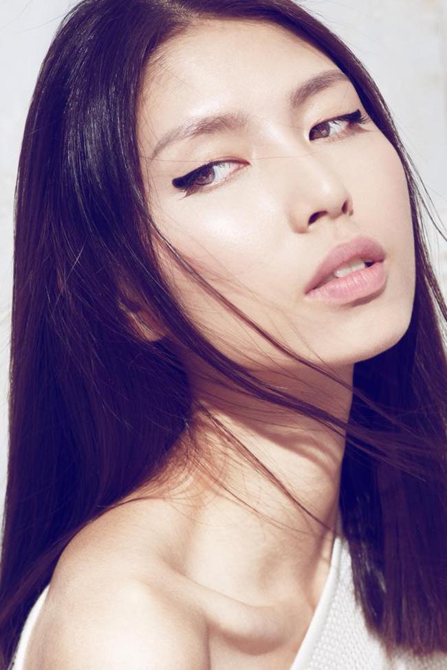 Tháng 4.2015, người mẫu Thùy Dương (VNTM) bất ngờ lên tiếng về góc tối của làng thời trang.