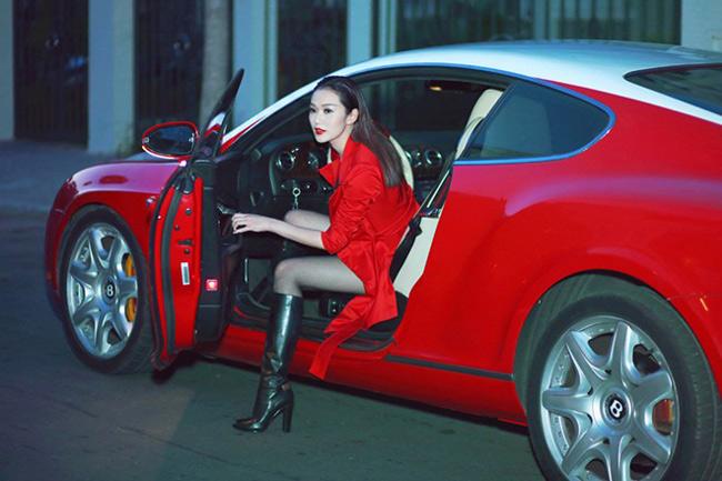 Trước đó, cô từng bị chỉ trích vì đi thuê siêu xe 12 tỷ đồng đi dự sự kiện. Phía truyền thông cũng Khánh My cũng khẳng định, bản thân cô chưa bao giờ nhận đây là xe của mình.