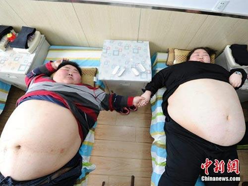 Người đàn ông đi khắp thế giới... giúp vợ người khác mang bầu - 9