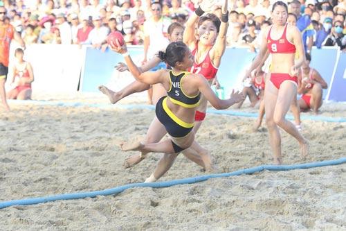 Việt Nam lại thắng Trung Quốc, bá chủ châu Á thể thao bãi biển - 1
