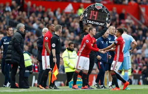 """MU: """"Vua kiến tạo"""" Rooney không gặp may, mà là đẳng cấp - 1"""