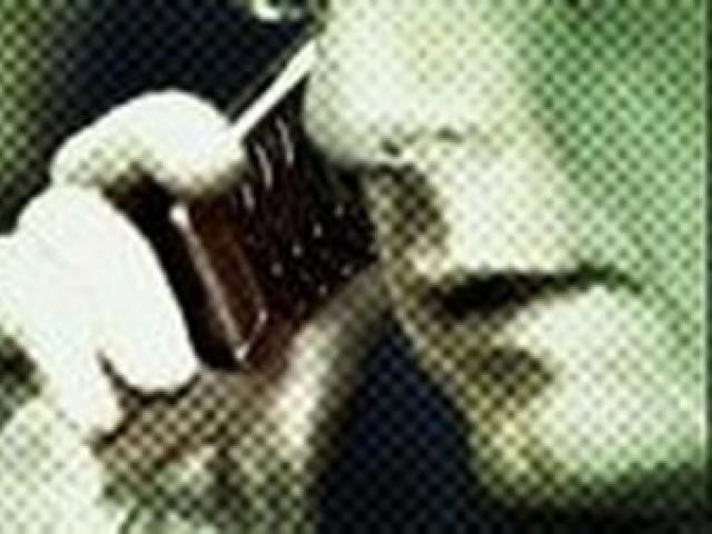 Kẻ lạ mặt giả danh công an, gọi điện ép nộp 1 tỷ đồng