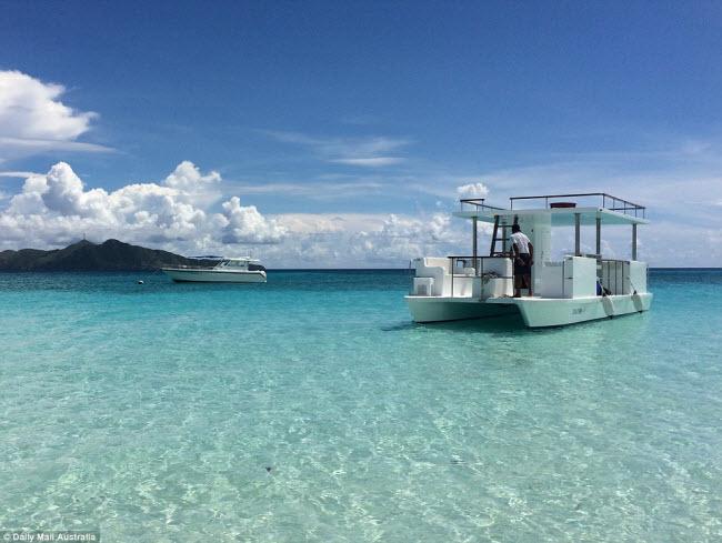Một trong những hoạt động hấp dẫn trên đảo Pamalican là lặn ống thở để khám phá sinh vật biển.