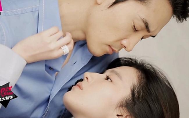 Cảnh khóa môi giữa hai nhân vật Trâu Vũ (Lưu Diệc Phi) và Lâm Khải Chính (Song Seung Hun) ngay lập tức gây xôn xao dư luận bởi độ bạo ngày càng tăng dần theo các tập phim.