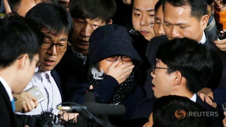Bắt khẩn cấp bạn thân Tổng thống Hàn Quốc Park Geun-hye - 1