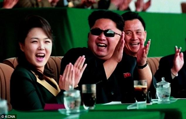 Vợ Kim Jong-un vắng mặt 7 tháng vì mâu thuẫn gia đình? - 1