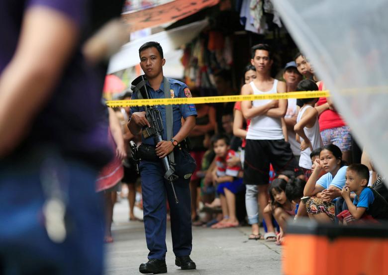 Mỹ ngừng bán 26.000 súng trường cho Philippines - 1