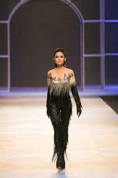 Những điểm lạ ở hậu trường Tuần lễ thời trang lớn nhất VN - 1