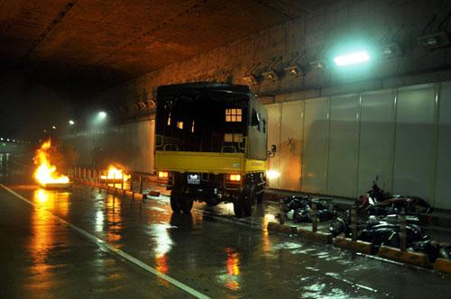 Diễn tập cứu 30 người mắc kẹt trong hầm vượt sông SG - 1