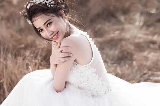Nhưng phải đến lần hợp tác với nam ca sĩ Sơn Tùng, hot girl Sài thành mới thật sự nổi tiếng.