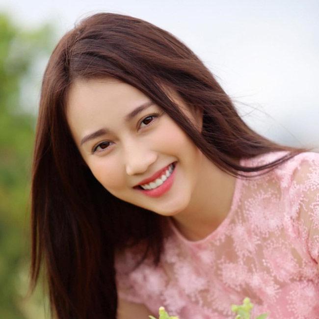 Bên cạnh vai diễn điện ảnh, Hồng Loan hứa hẹn tương lai sẽ đem đến nhiều điều mới mẻ cho khán giả.