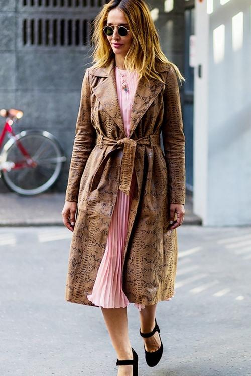 5 cách mặc đẹp thuyết phục với màu nâu trầm - 9