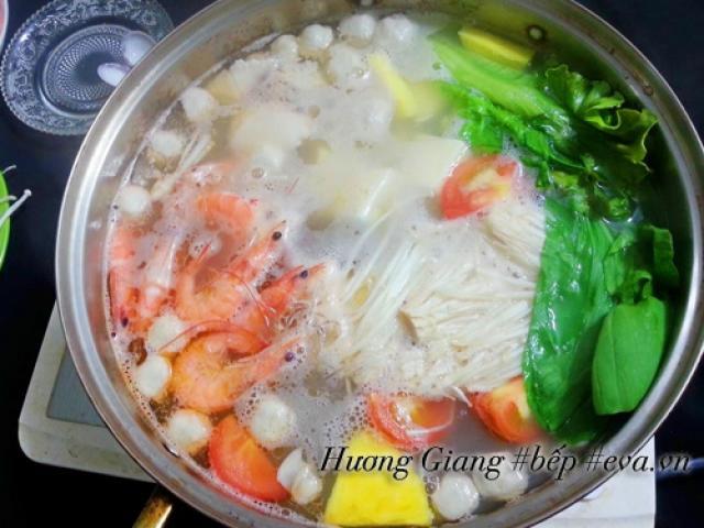 Cách nấu lẩu hải sản chiêu đãi bạn bè dịp  cuối tuần