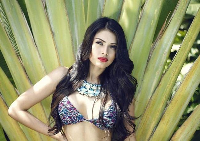 9.Kristal Silva: Hoa hậu Mexico sở hữu vóc dáng đẹp tuyệt mĩ với chiều cao 1m79, ba vòng 90-58- 90 (cm).