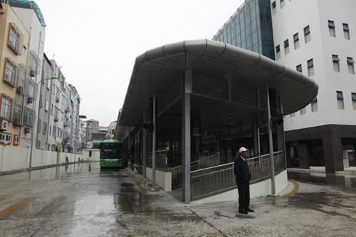 Trải nghiệm chuyến xe buýt nhanh đầu tiên ở Thủ đô - 1