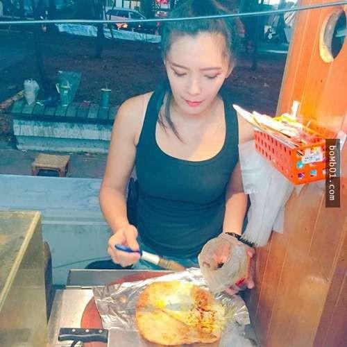 Cô chủ quán bánh giống hệt ngọc nữ xứ Đài khiến anh em mê mẩn - 1