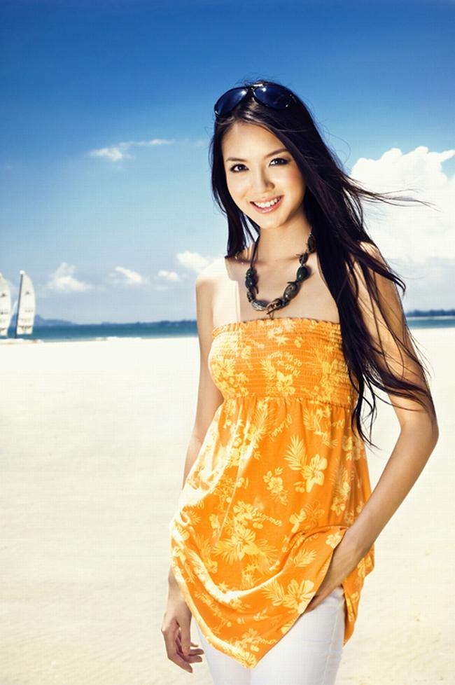 Ngoài ra, Tử Lâm tiếp tục là một người mẫu hot của các nhãn hàng, trang bìa tạp chí,...