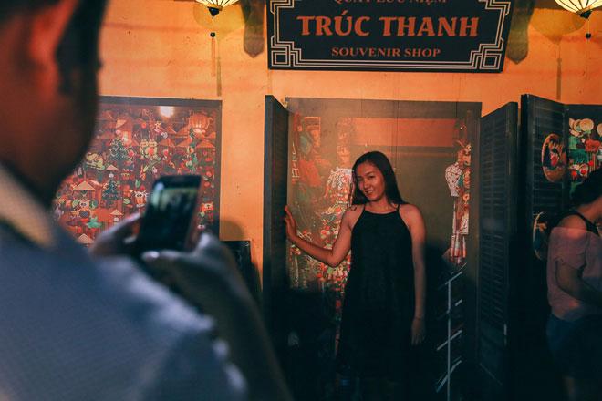 """Ngàn người đổ về """"phố cổ Hội An"""" giữa lòng Sài Gòn trước Tết Trung thu - 1"""