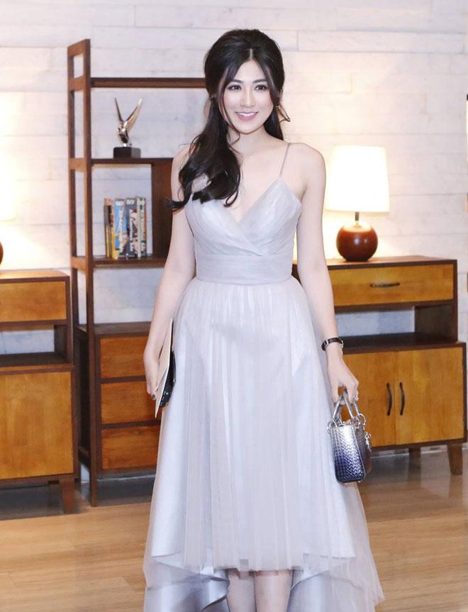 """""""Bạn gái Noo Phước Thịnh"""" mặc gợi cảm nhất đám cưới Thu Thảo - 1"""