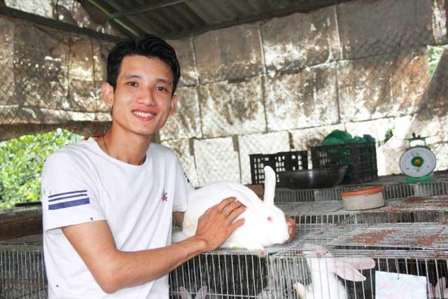 Làm giàu ở nông thôn: Dùng 3 triệu vốn nuôi thỏ, bỏ túi 200 triệu/năm - 1