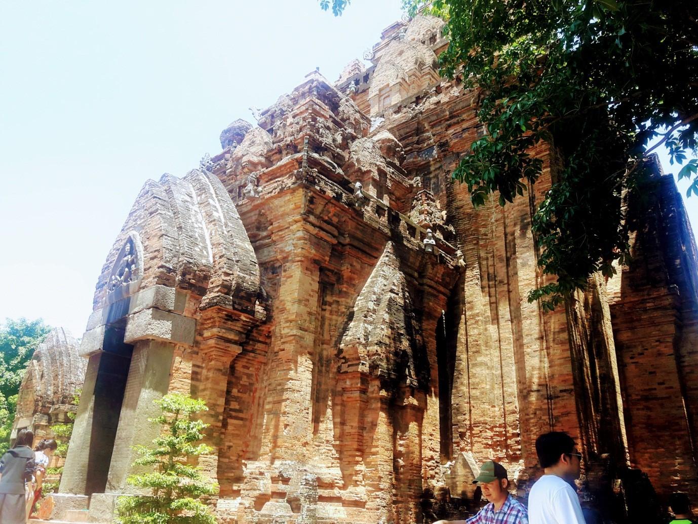 Du lịch Nha Trang để thấy Việt Nam đẹp mê đắm thế nào? - 26