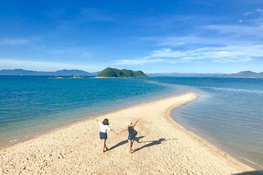 Du lịch Nha Trang để thấy Việt Nam đẹp mê đắm thế nào? - 38