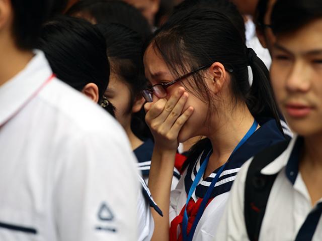 Mưa nước mắt tiễn biệt thầy Văn Như Cương về nơi an nghỉ