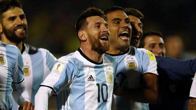 Messi và Maradona ở ĐT Argentina: Vĩ đại hay vĩ đại nhất chỉ cách 1 cúp Vàng - 1