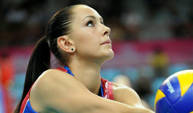 """28 tuổi, Nataliya Obmochaeva được coi là """"nàng thơ"""" xinh đẹp của bóng chuyền nước Nga."""