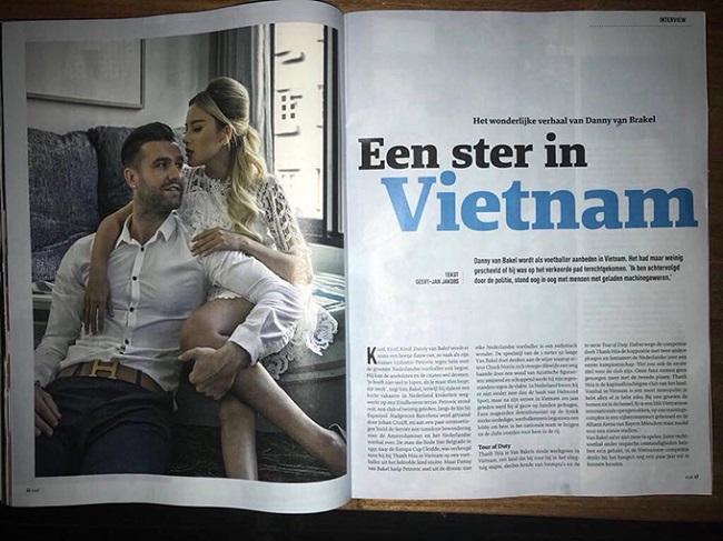 Cách đây không lâu DJ Myno - bà xã của trung vệ Danny Van Bakel đã khoe trên trang cá nhântờVoetball International - báo bóng đá nổi tiếng của Hà Lan đăng tải bài viết về vợ chồng cô.